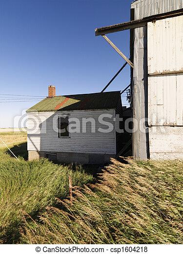 Edificio abandonado. - csp1604218
