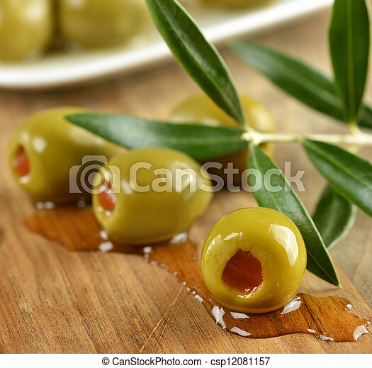 Olivos rellenos - csp12081157