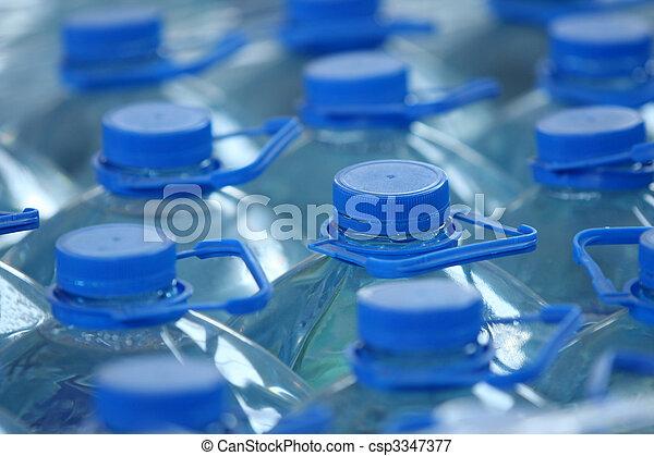 Agua embotellada - csp3347377