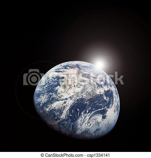 Al amanecer del espacio - csp1334141