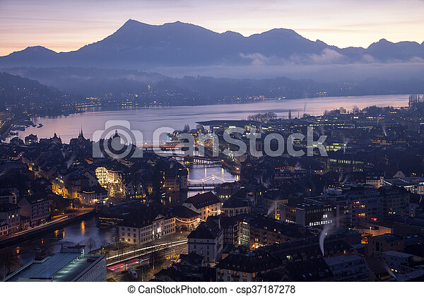 Al amanecer, Suiza - csp37187278