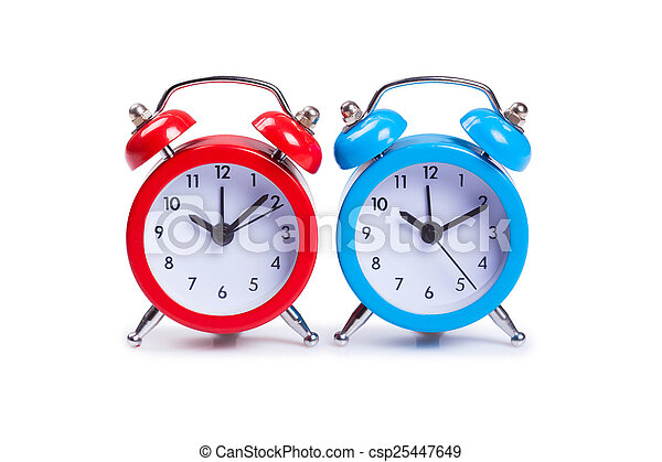 Reloj de alarma sobre fondo blanco - csp25447649