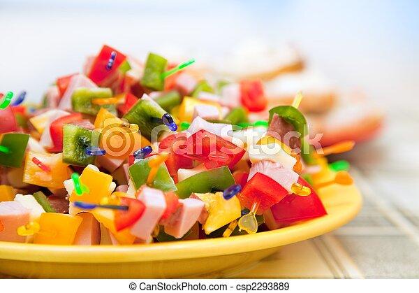 Comida para fiestas - csp2293889