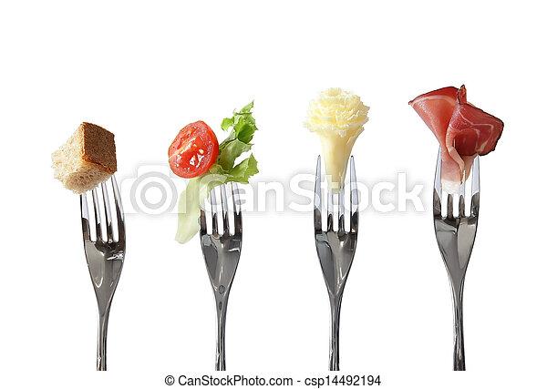 Comida en tenedores - csp14492194