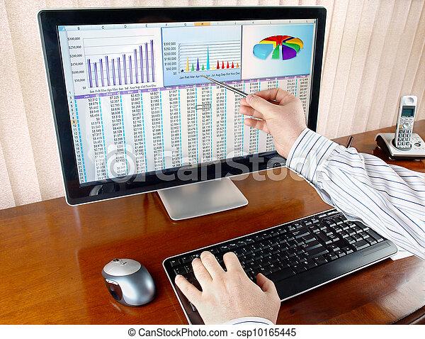 Analizando datos en la computadora - csp10165445