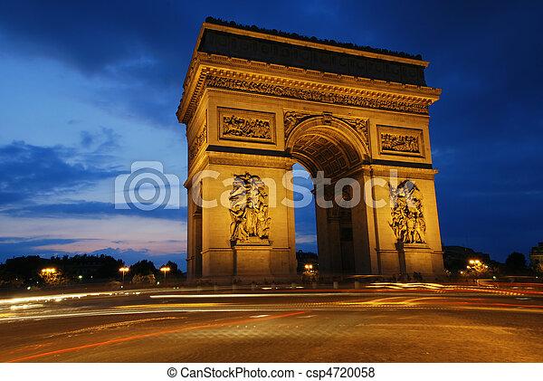 Arco triunfal por la noche - csp4720058