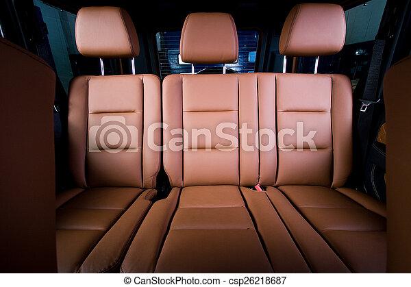 Asientos de pasajeros en un coche moderno y cómodo - csp26218687