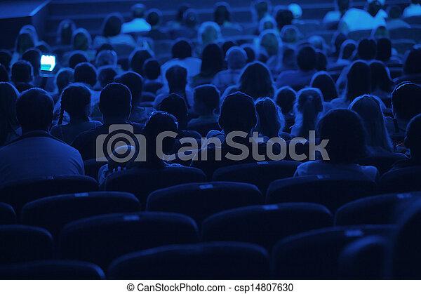 Audiencia en el cine. Silueta. - csp14807630