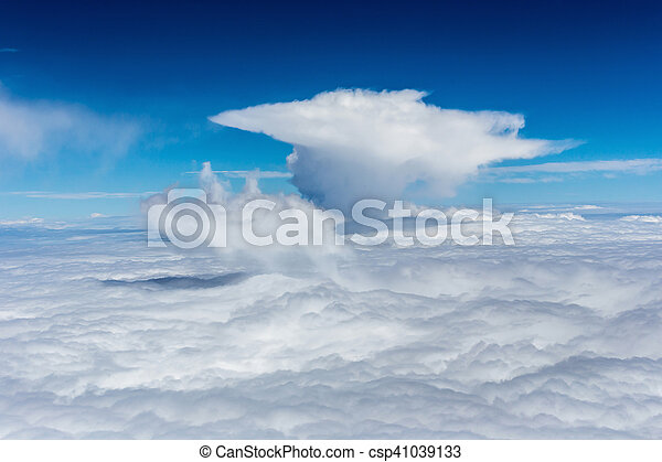 Cielo azul con nubes - csp41039133