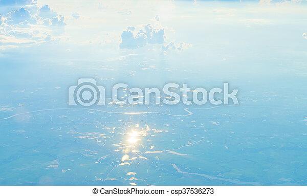 Cielo azul con nubes - csp37536273