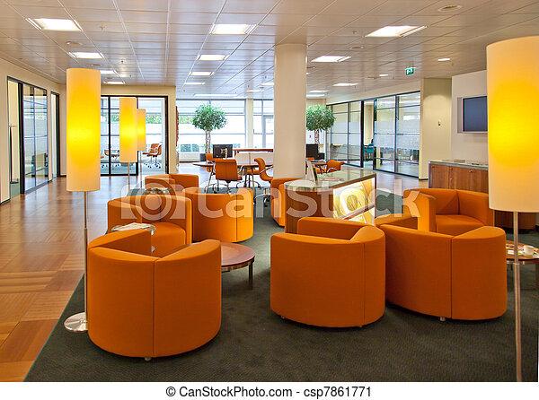 Espacio público en la oficina del banco - csp7861771