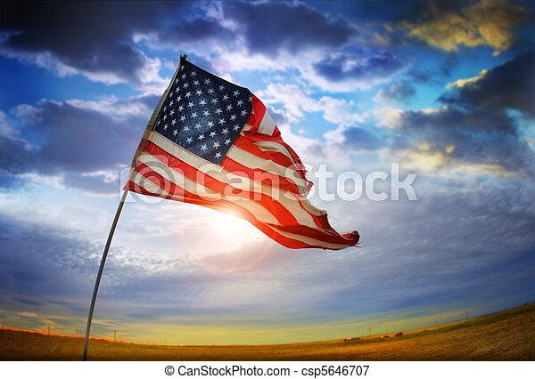 Vieja bandera de la gloria - csp5646707