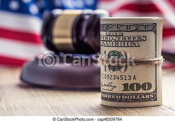 bandera, martillo, billetes banco., soborno, todavía, fondo., justicia, estados unidos de américa, dólares, arrollado, martillo, judicial, gavel., vida, billetes de banco, nosotros, sistema, tribunal, juez, corrupción - csp48309764