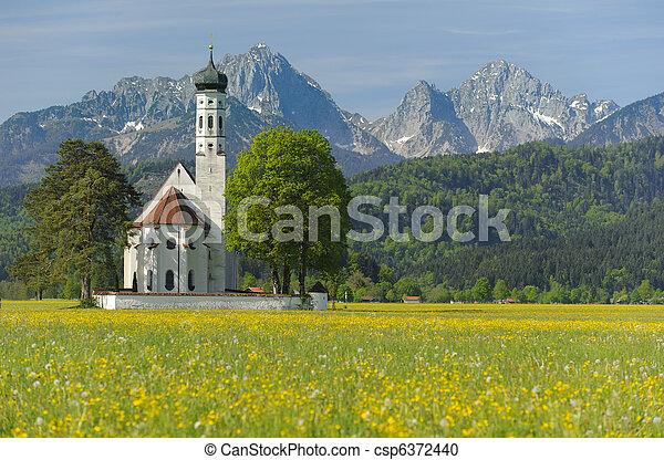 La iglesia de Landmark en Bavaria, Alemania, en primavera - csp6372440
