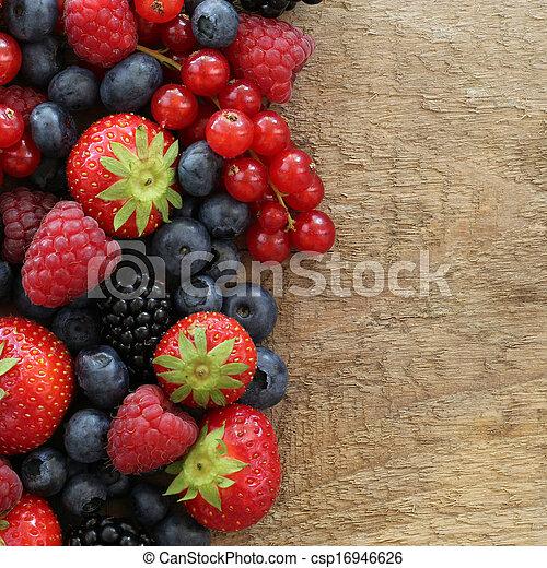 Frutas de bayas - csp16946626