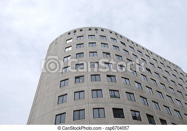 Bloque de oficinas grises - csp6704057