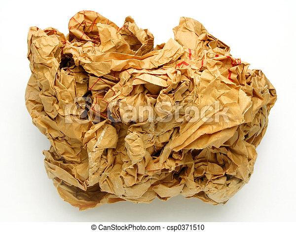 Bola de papel arrugada - csp0371510