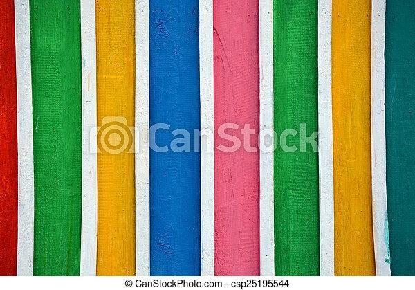 Madera brillante y coloreada - csp25195544