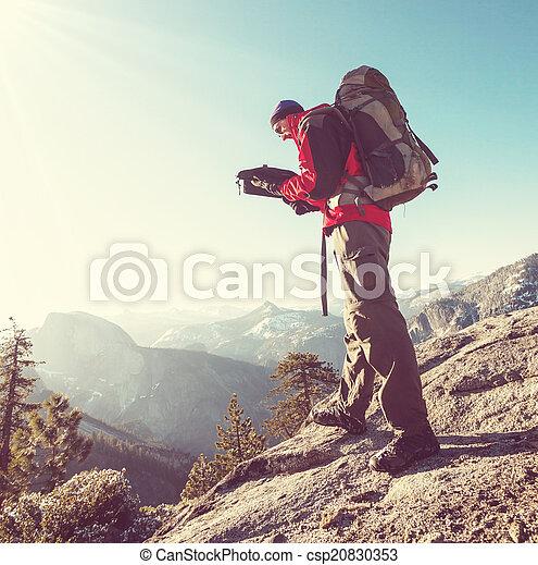 Hike in yosemite - csp20830353