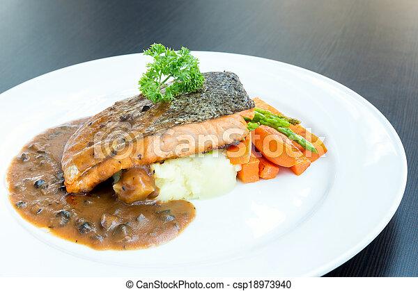 Carne asada de salmón - csp18973940