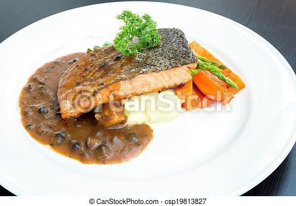 Carne asada de salmón - csp19813827