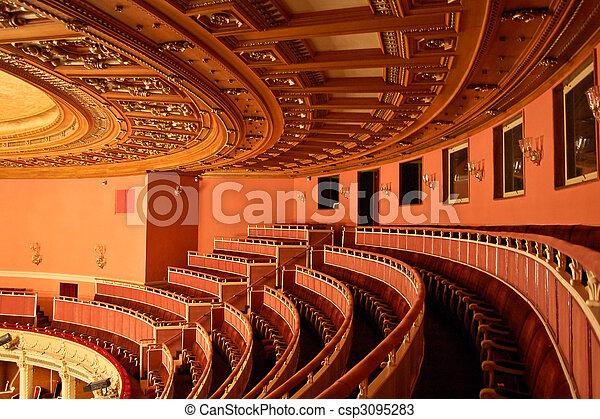 El interior de la casa de ópera - csp3095283