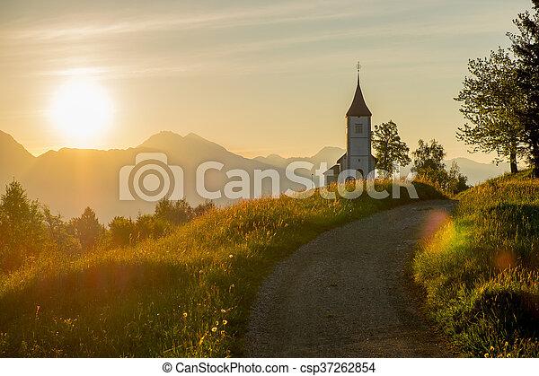 Iglesia católica al amanecer - csp37262854