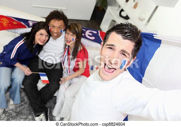 Fans del fútbol francés celebrando - csp8824604