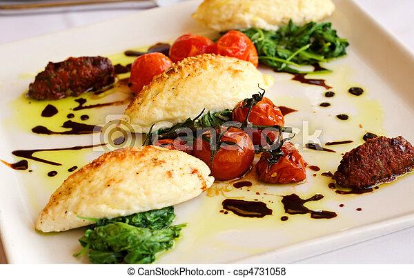 Cena de gourmet italian Gnocchi - csp4731058