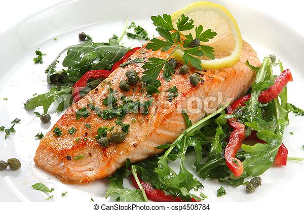 Cena de salmón - csp4508784