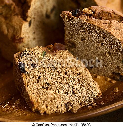 Pastel de Navidad chileno pan de pascua - csp41138493