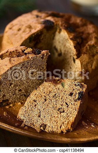 Pastel de Navidad chileno pan de pascua - csp41138494
