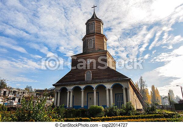 Hermosas iglesias de color y madera, isla de chiloé, chile - csp22014727
