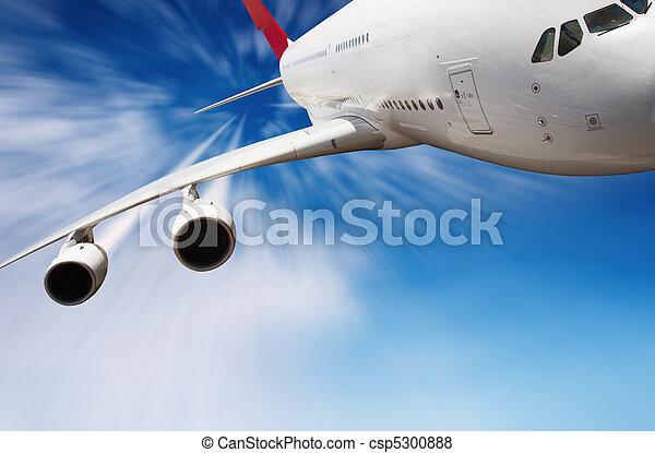 Un avión en el cielo - csp5300888