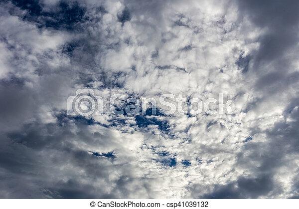 Cielo azul con nubes. - csp41039132