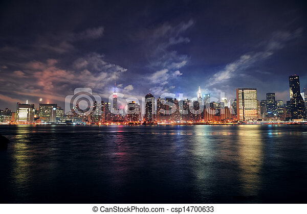 Ciudad de Nueva York Manhattan al atardecer - csp14700633