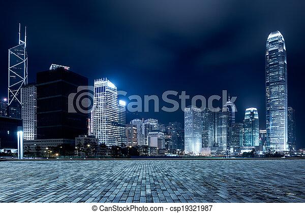 Ciudad y plaza - csp19321987
