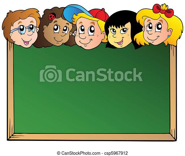La junta escolar con caras de niños - csp5967912