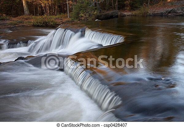 Cascando cascadas - csp0428407