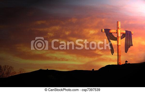 La madera cruza contra las nubes del amanecer - csp7397539
