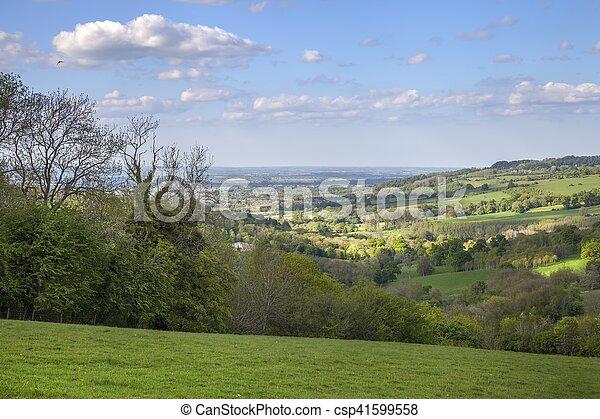 Cotswolds rurales cerca del pueblo de Snowshill, Gloucestershire, Inglaterra - csp41599558