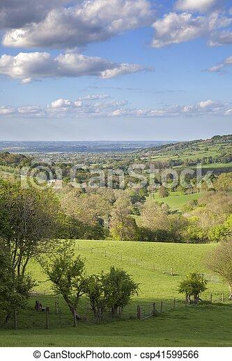 Cotswolds rurales cerca del pueblo de Snowshill, Gloucestershire, Inglaterra - csp41599566