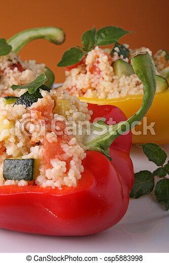 Pimienta relleno con couscous - csp5883998