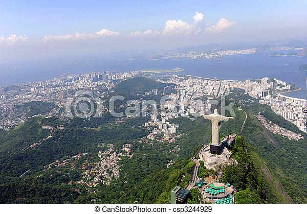 Cristo Redentor y dulce en Rio de Janeiro - csp3244929