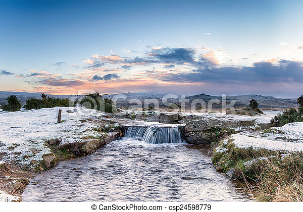 Cascada de Dartmoor - csp24598779