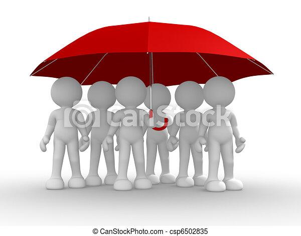 Un grupo de gente bajo el paraguas - csp6502835