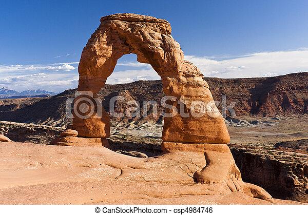 Delicado arco en el parque nacional, Utah - csp4984746