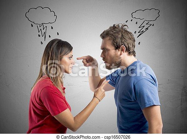 Discusión entre marido y mujer - csp16507026