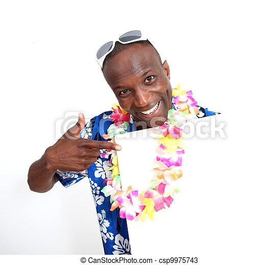 Retrato de tipo feliz y divertido con camisa hawaiana - csp9975743