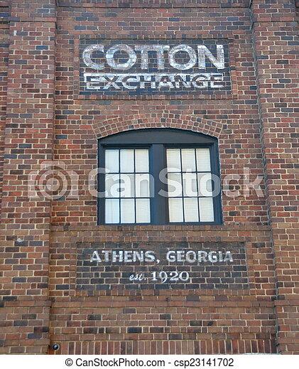 Edificio de intercambio de algodón histórico - csp23141702